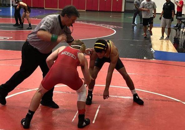 Wrestling Places 10th at Santa Ana Tournament