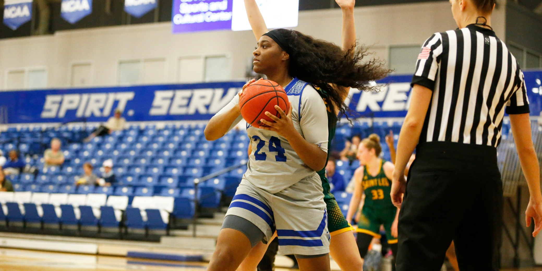Women's Basketball Outlasted in Overtime by Barry