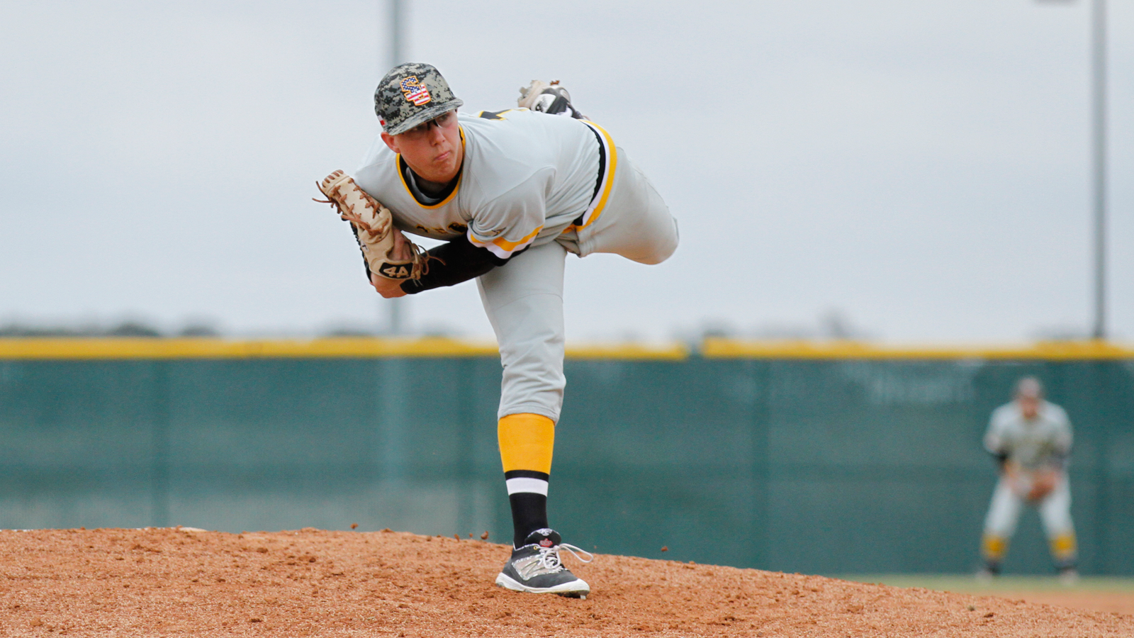 Southwestern rides big inning to win over Mary Hardin-Baylor, 11-8