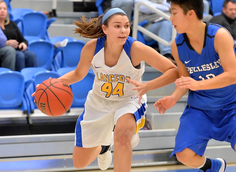 Women's Basketball Slides Past Western New England