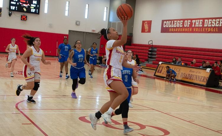 COD Women's Basketball has rough 2nd quarter, loses to Vikings, 62-56