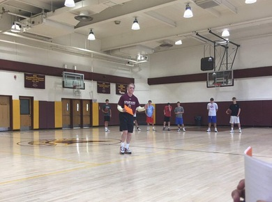 Legendary STAC Men's Basketball & NBA Coach Gordon Chiesa Hosts Coaches Clinic