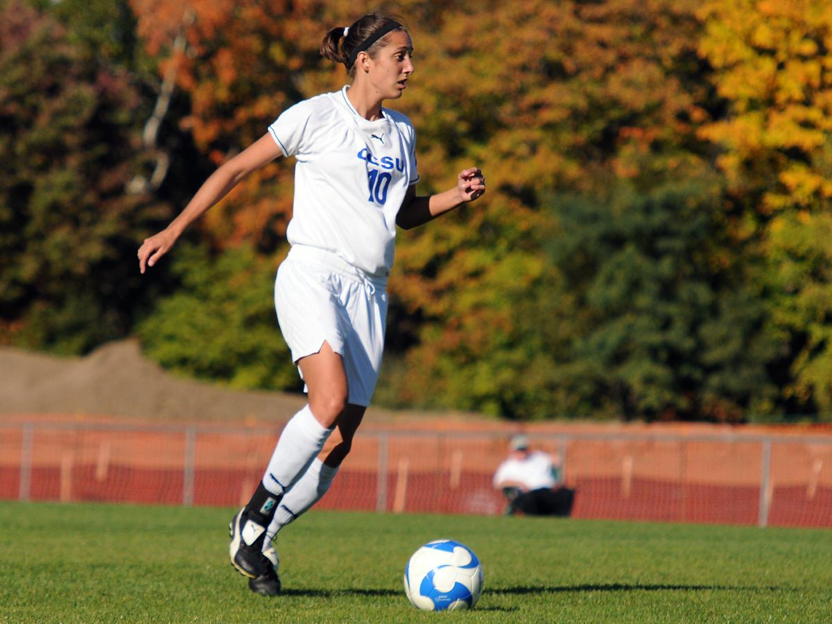 Women's Soccer Shuts Out Sacred Heart at Home on Friday, 1-0