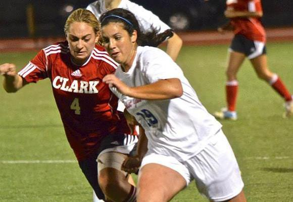 Women's Soccer Stuns WPI in OT