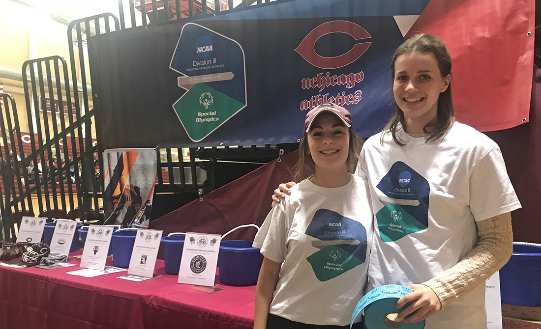UChicago student-athletes Dana Ulrich and Mary Martin helped organize WAA's Slam Dunk for Special Olympics event in early February, which raised more than $6,500 for the organization.