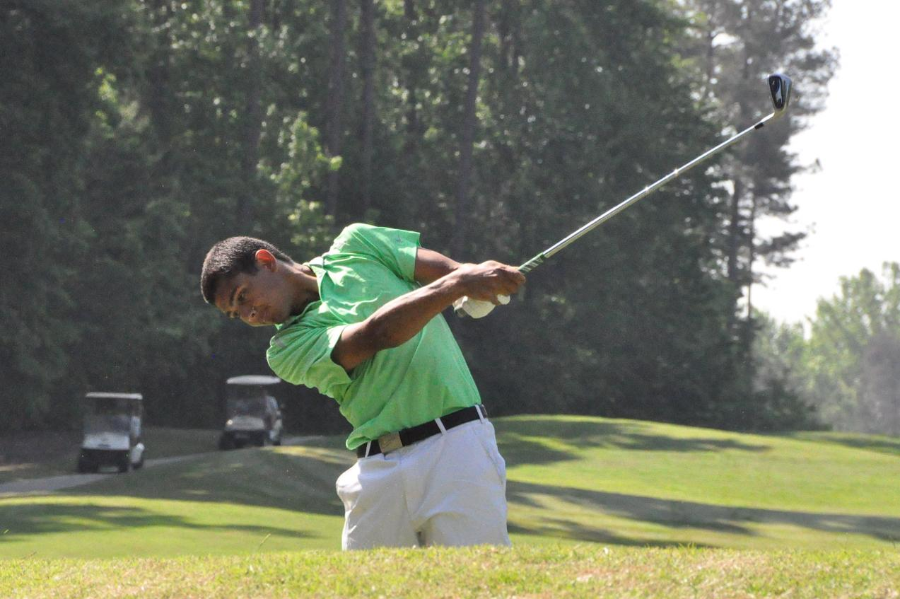 Golf: Panthers get off to strong start at NCAA Division III championship