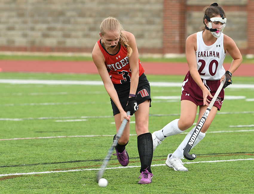 Field Hockey Sends Off Seniors With Win Over Wooster