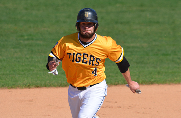 Tigers Split Opening Games against WashU