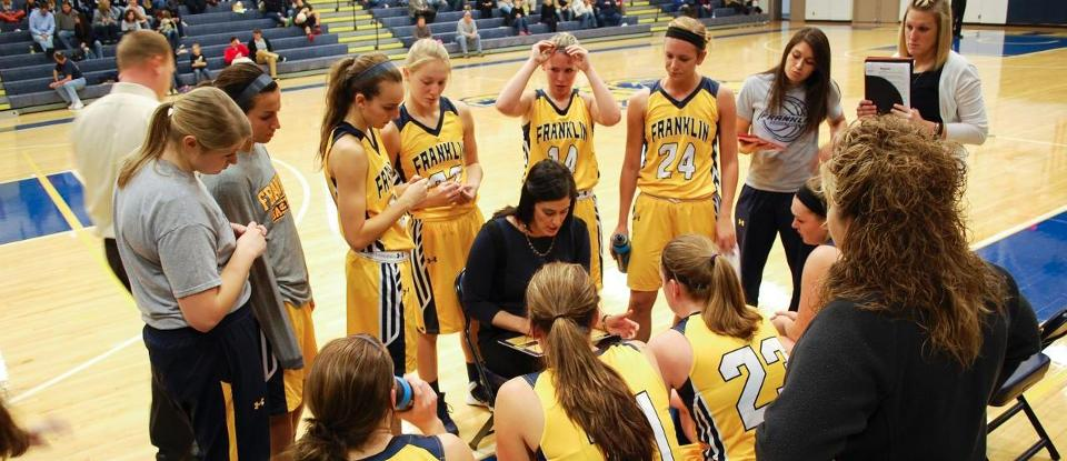 Brewer Nets 20 Points in Women's Basketball's Narrow Loss to No. 1 DePauw