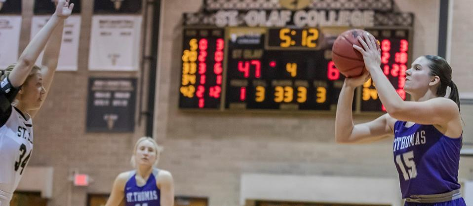 Darge's record 3-point night sends Women's Hoops to win