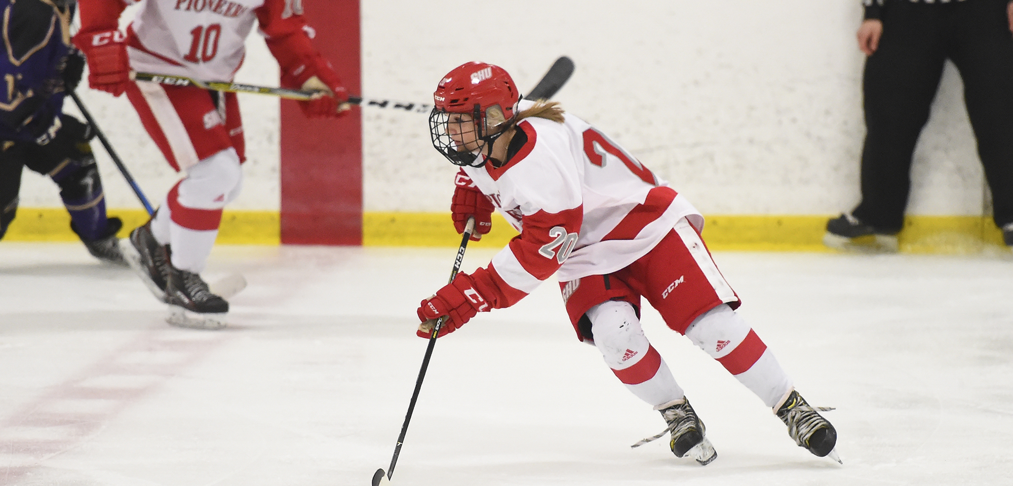 Women's Ice Hockey Completes Sweep Of Post With 3-0 Victory