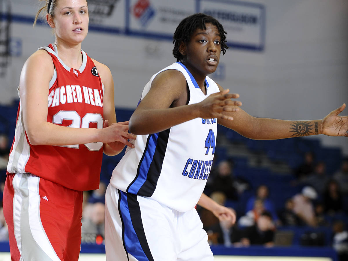 Women's Basketball Falls 56-43 in NEC Opener
