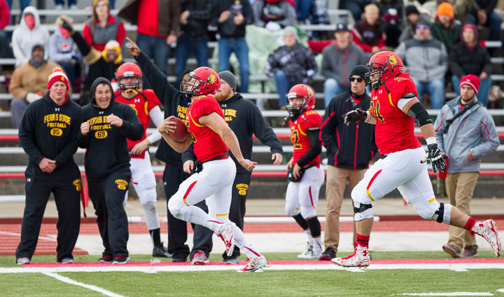 Vander Laan Becomes Greatest Rushing QB Of All-Time As Ferris State Beats Ohio Dominican