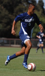 Soccer Team Begins Road Swing at UCSB