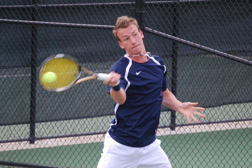 Men's Tennis Defeats Ferris State 7-2