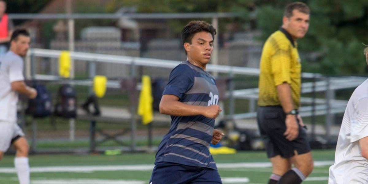 Three First Half Goals Propel the Wolverines to 3-1 Road Win