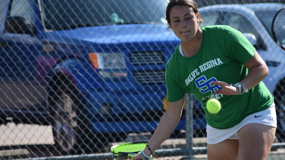 Freshman Laura Krick earned her first collegiate victory by outlasting senior Julia Akerman at first singles.