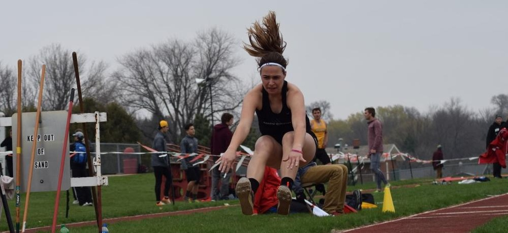 Dirksen and Longville take first at Mount Marty Twilight