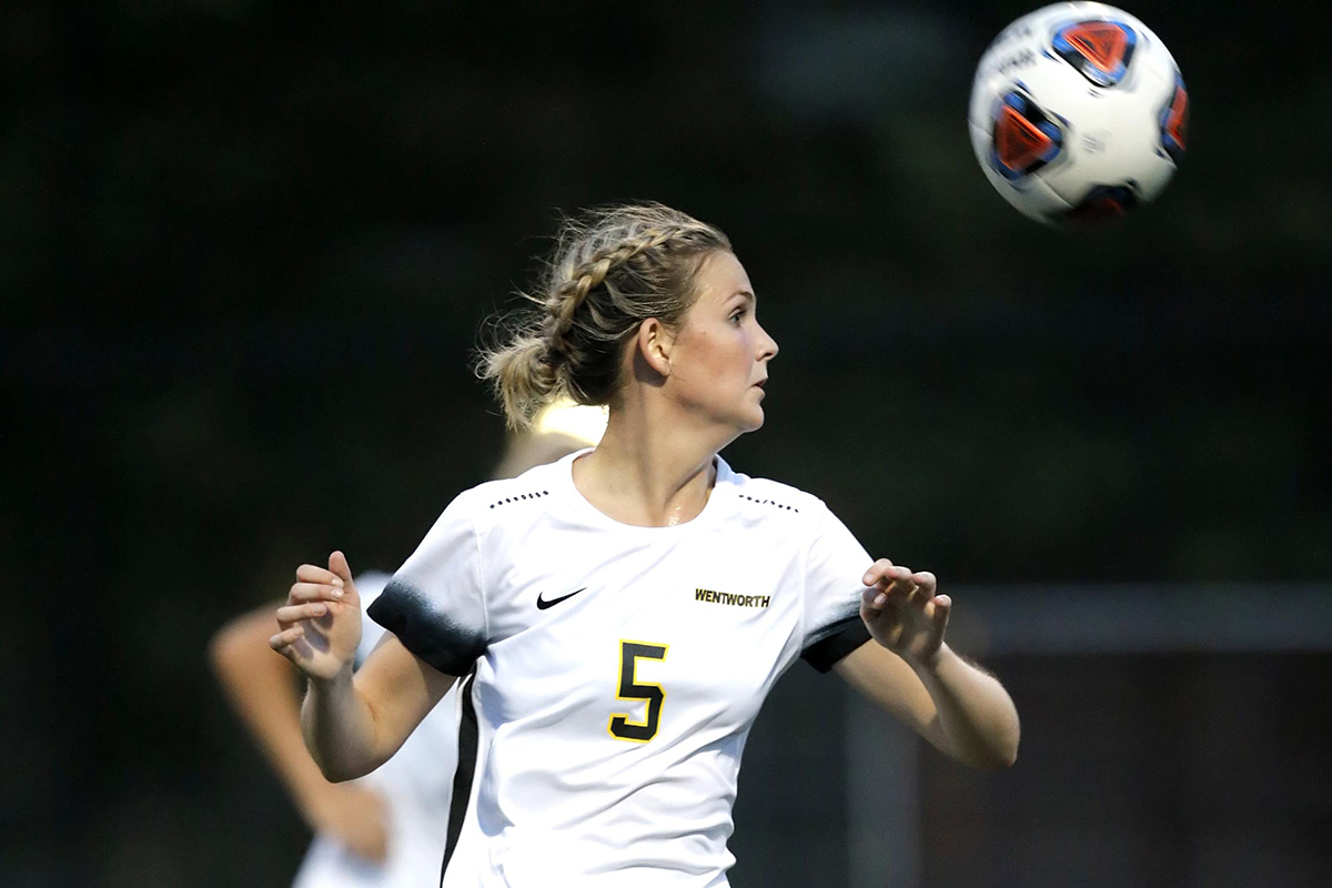 Women's Soccer Edges UMass Dartmouth