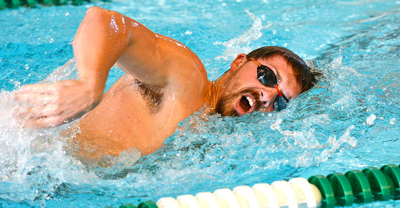 Fightin' Quaker men's swimming fourth after day one - OWU Invite