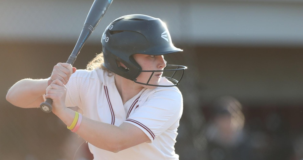 Softball Splits Doubleheader with Pacific