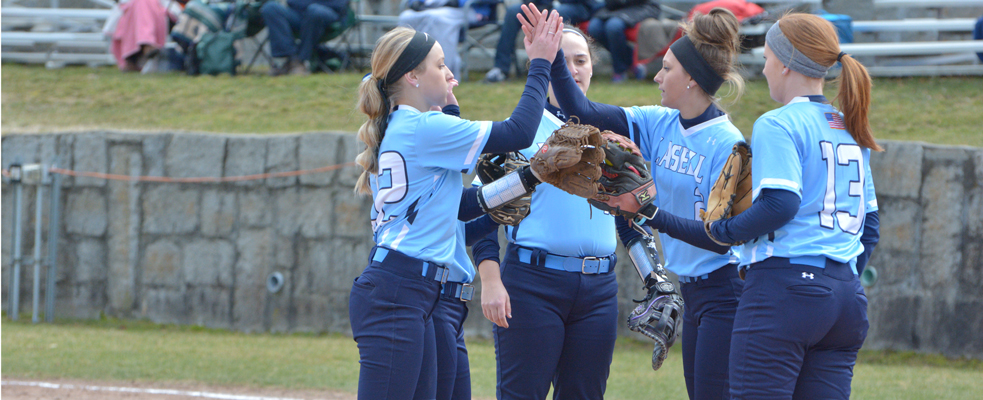 Softball Earns GNAC Sweep Against Anna Maria