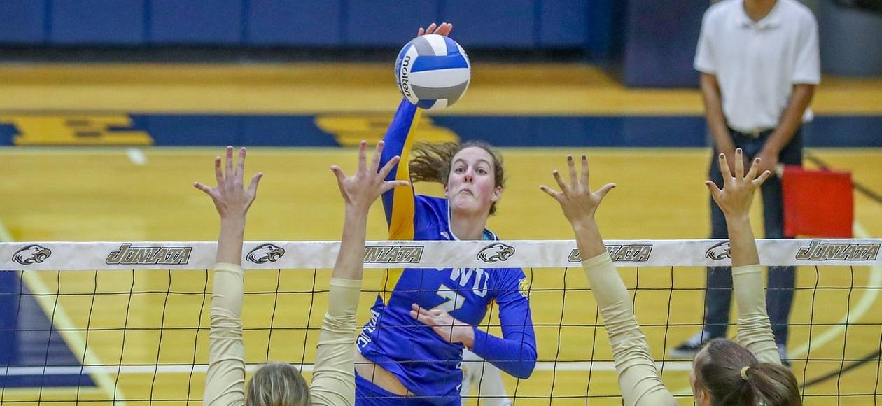 #4 Wildcats Win Twice During JWU Invitational