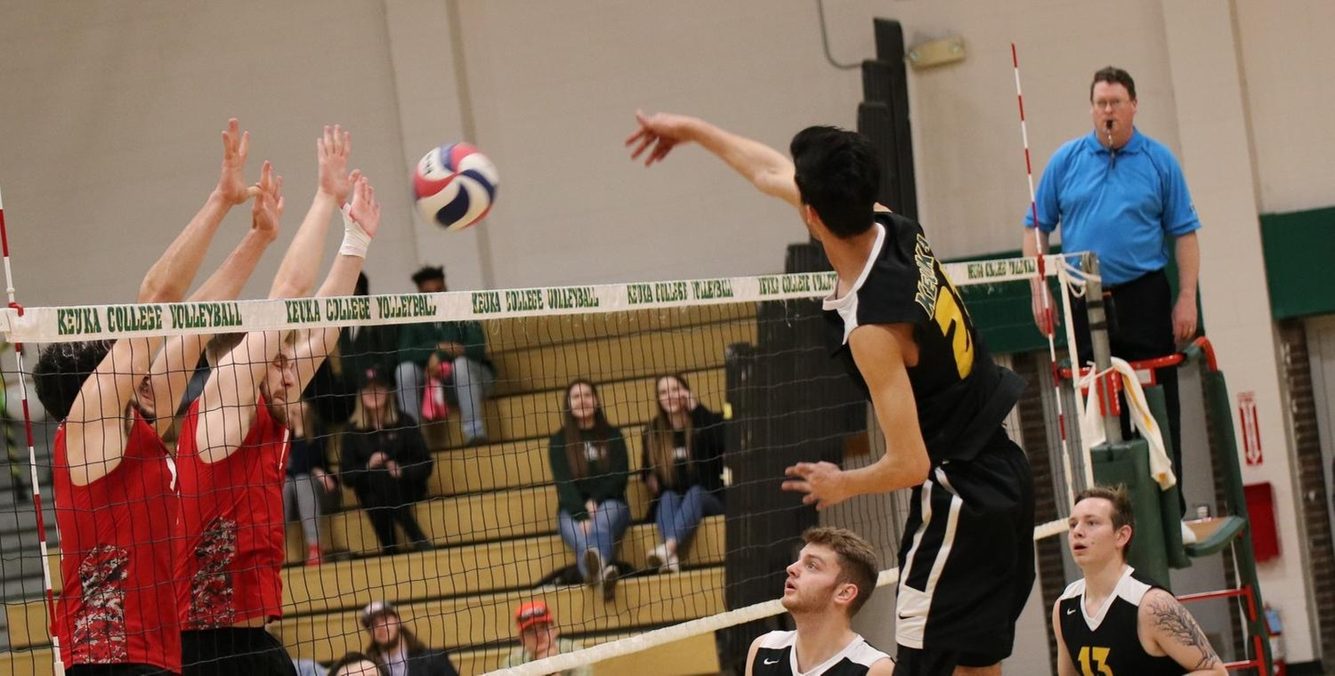Wolves Swept at Altoona Tri-Match