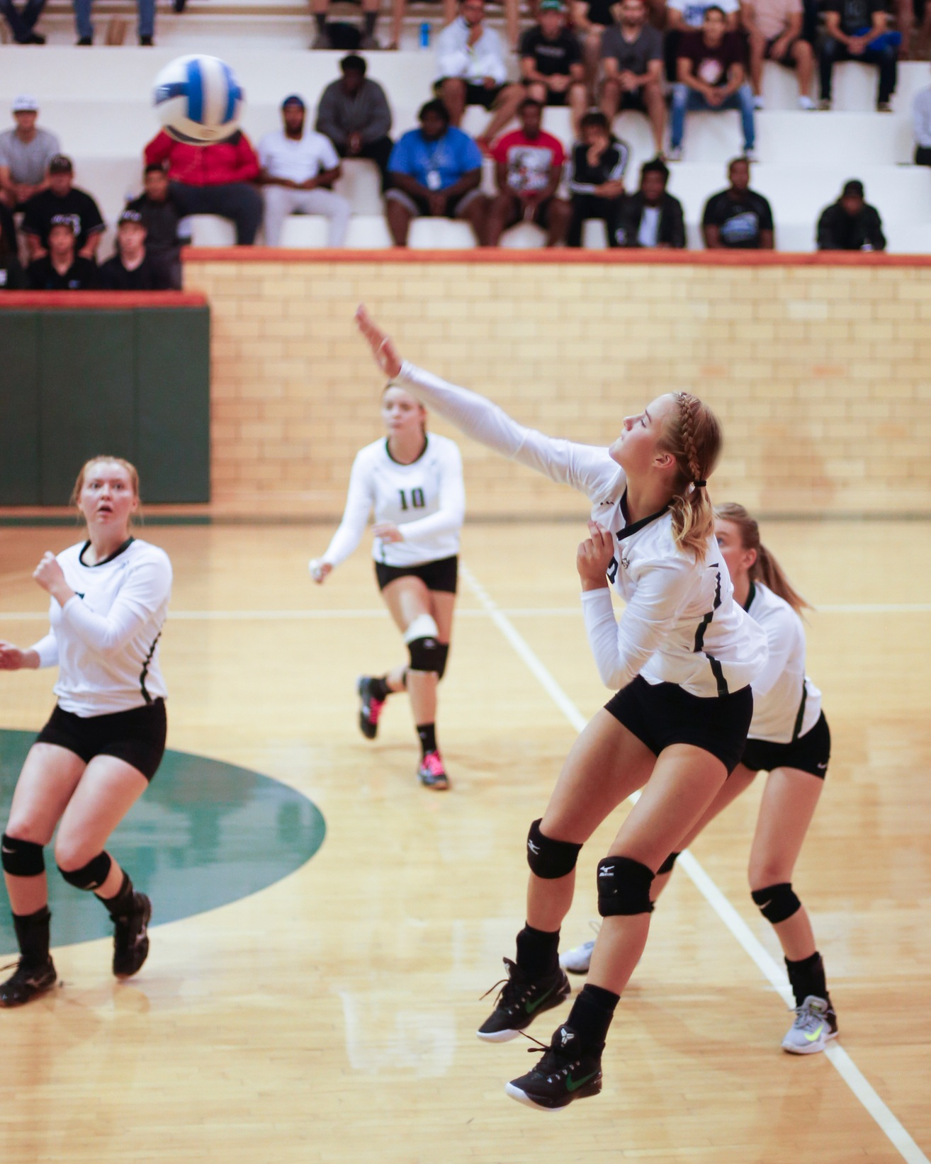 DCB Volleyball Beats Lake Region