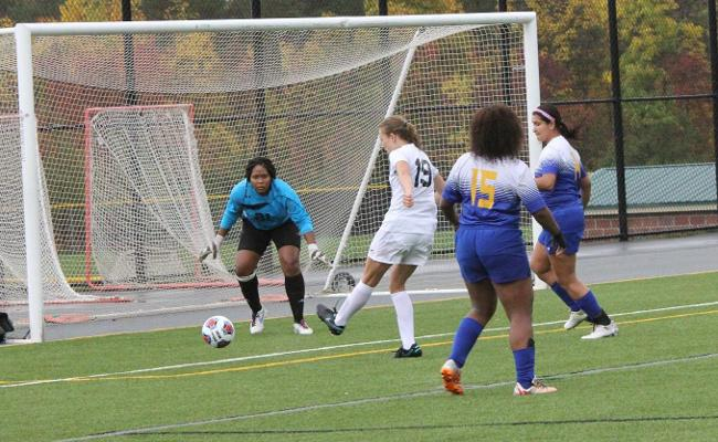 Wolves Cruise to Women's Soccer Victory