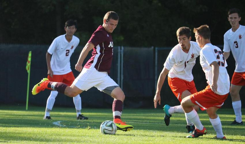 Men's Soccer Falls at No. 25 Calvin
