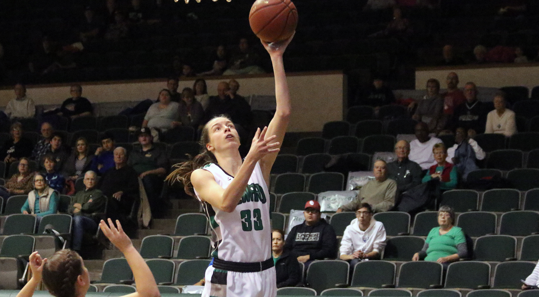Szydlowska's Career-High Pushes Lady Saints Past Thunderbirds