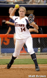 Gollhardt's Blast Lifts Titans to Sweep