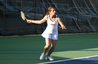 Women's tennis posts 9-0 win over Capital to conclude spring trip