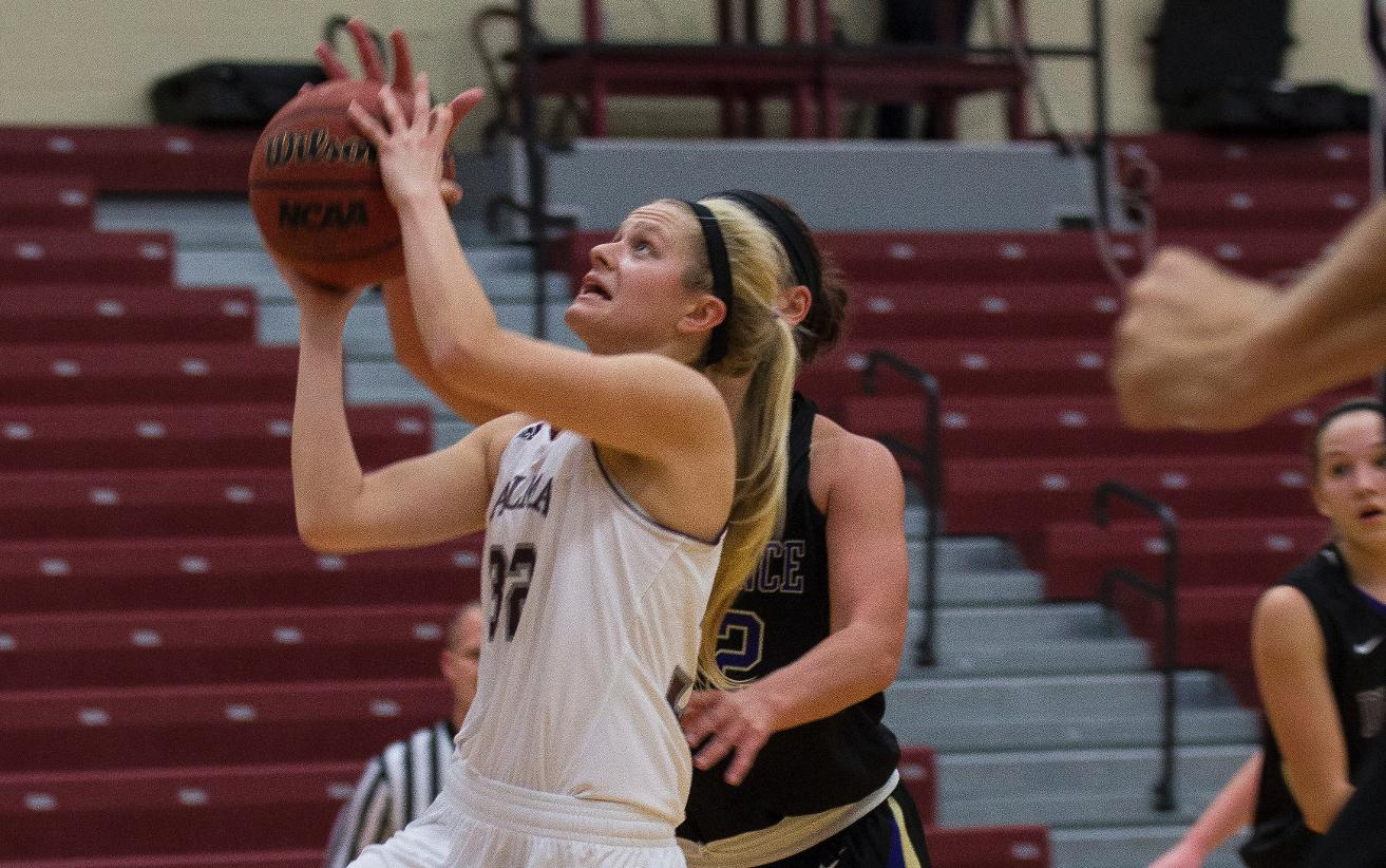 Women's Hoops lose 101-67 at Hope College on Saturday