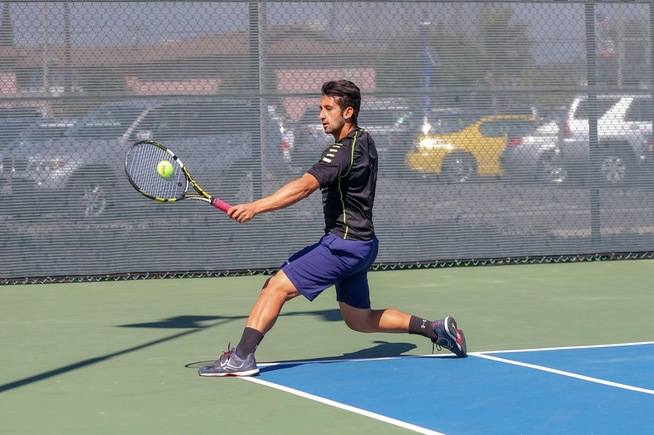 Bruno Duarte returns a shot with his backhand against Mt. SAC