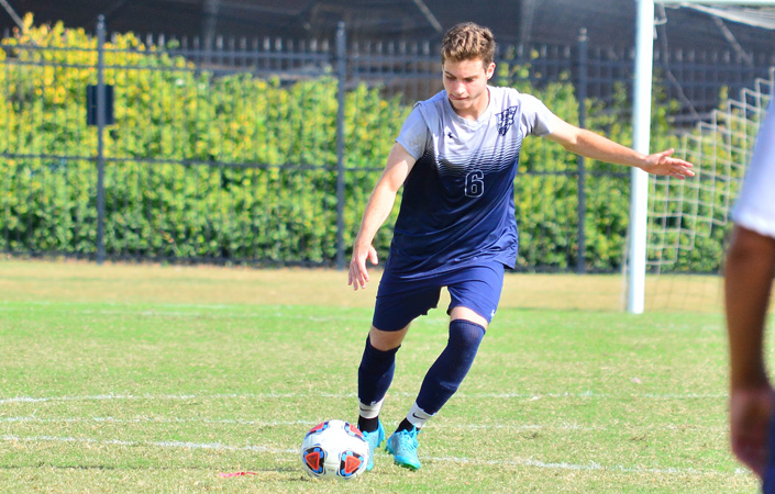 Men's Soccer Heads to Rochester for Regular Season Finale