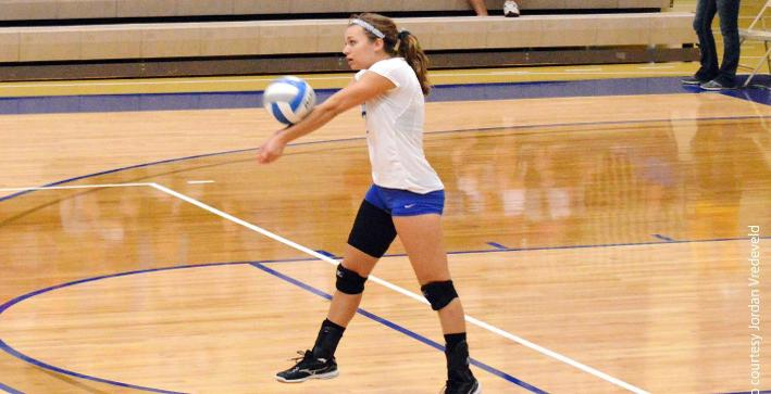 Stars sweep Volleyball in NACC action