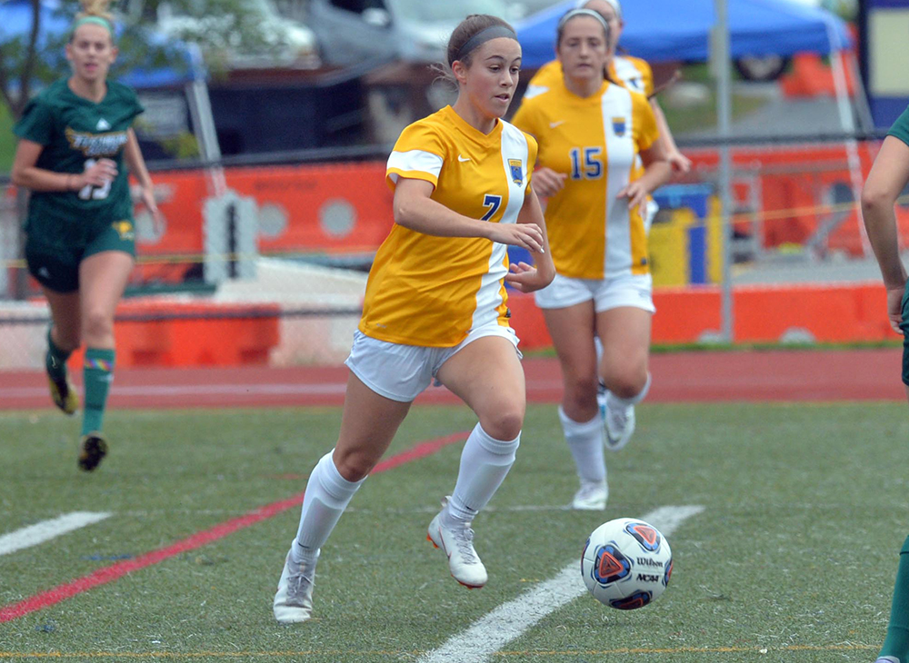 Women's Soccer Shuts Out Mass. Maritime to Close Regular Season