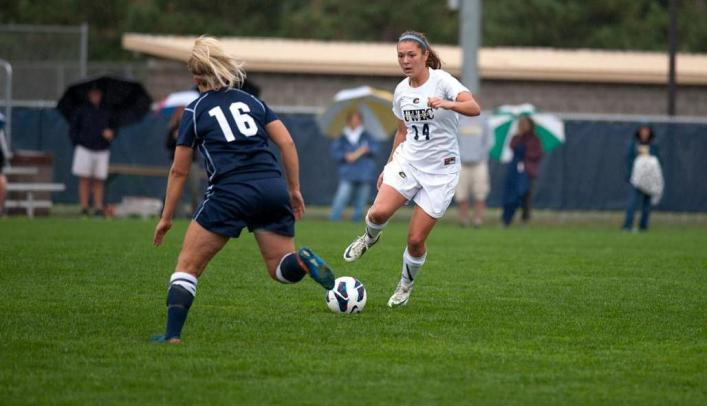 Soccer Narrowly Falls to UW-Whitewater