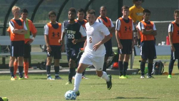 'Roo Men's Soccer Battles UTD to 3-3 Draw