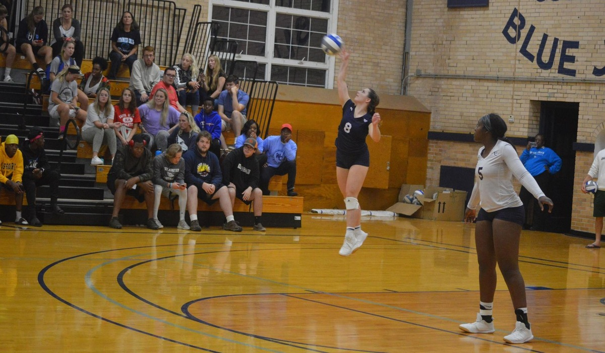 Westminster Volleyball Cruises to Three Set Victory Over Iowa Wesleyan