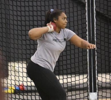 Cadle-Hinton Breaks School Record in Weight Throw