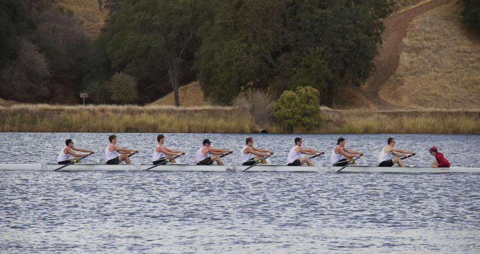 Men's Rowing Heads to San Diego