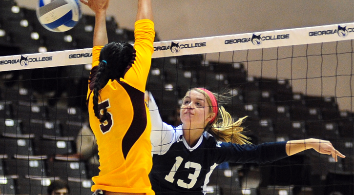 GC Volleyball Out-Lasts UNC Pembroke, 3-1