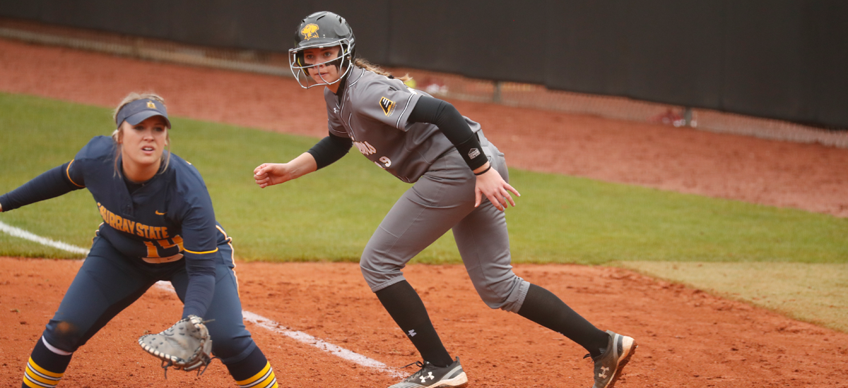 Pair of Rallies Fall Short for Softball on Thursday