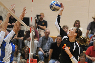 Storm close Wartburg Invitational 2-2
