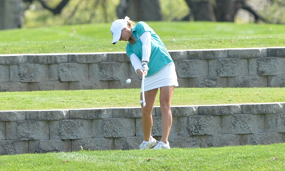 BABIC'S 70 LEADS WOMEN'S GOLF IN FIRST ROUND OF GOLFWEEK CONFERENCE CHALLENGE