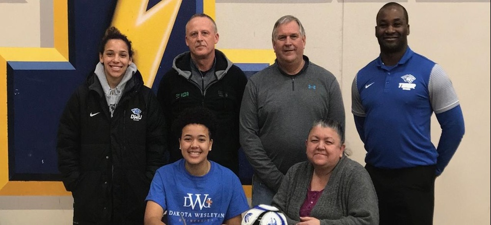 Bardsley inks with DWU women's soccer
