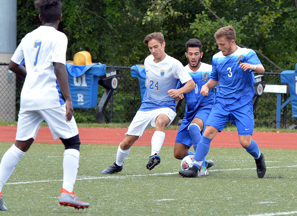Men's Soccer Falls to Framingham State 2-1 in MASCAC Semifinal